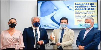 Vithas Granada presenta su Aula de Salud «Lesiones de rodilla en los deportistas» en el Ayuntamiento de Granada